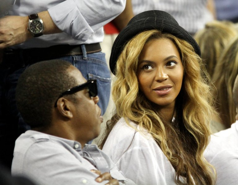 beyonce knows her style…I really liked the way she has worn  the hat with her open hair