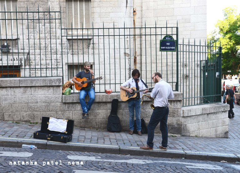 musicians playing at Sacre'