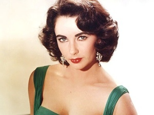 Elizabeth Taylor's short bob with waves during the 50's