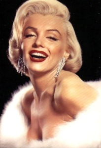 Marline Mandro's blond curls with red lipstick in the 60's