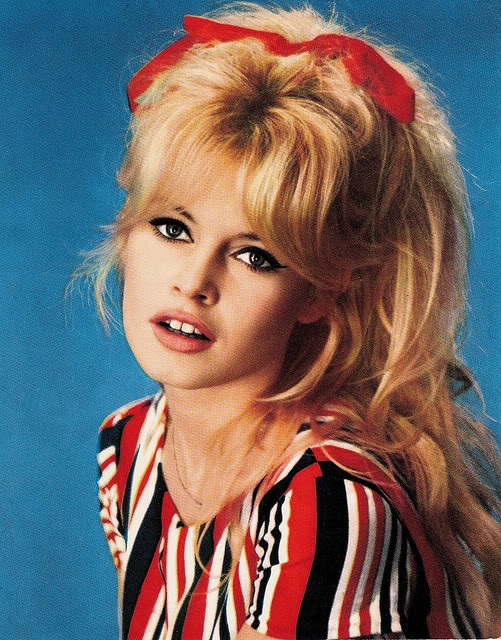 80s Hairstyles 5 best 80s hairstyle hey ladies stop lookin at my hair 80s Style Hair Bows