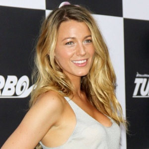 Blake lively's out of bed blond locks