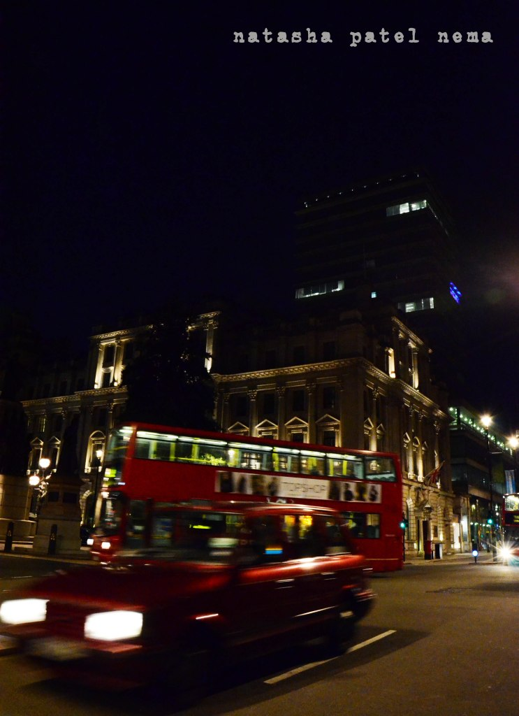 the lighted streets in londres